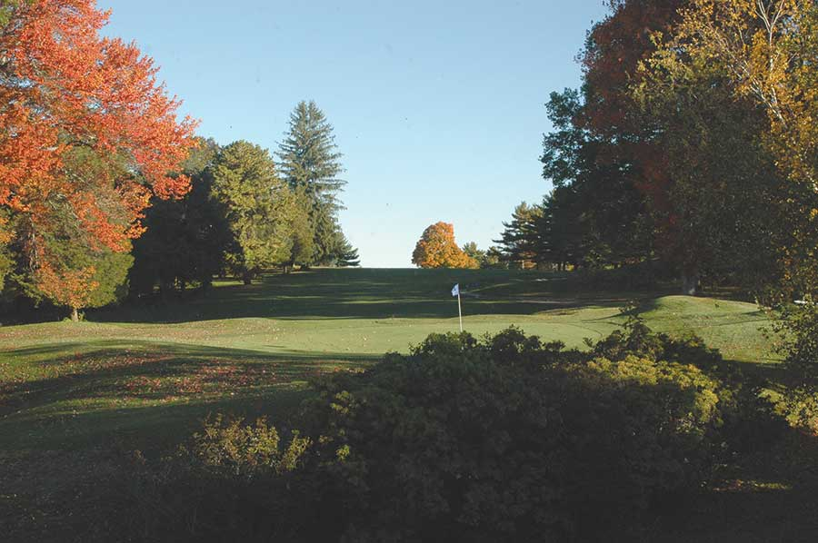 Town Explores Turning Golf Course Into Open Space