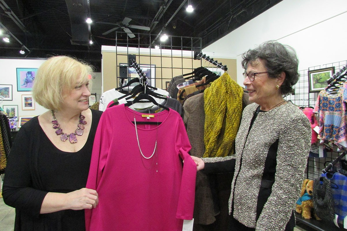 First Selectman Visits Two Woodbridge Boutiques