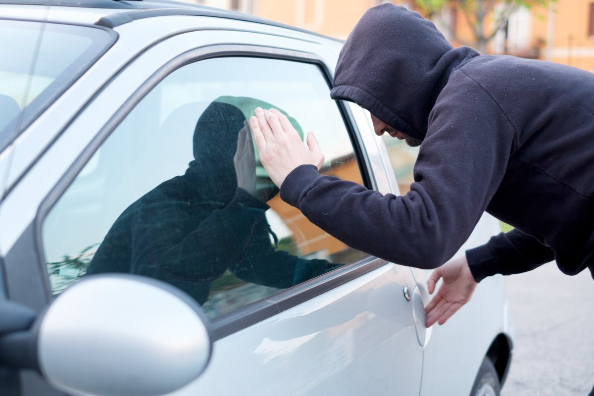 police concerned residents meet to discuss vehicle break ins