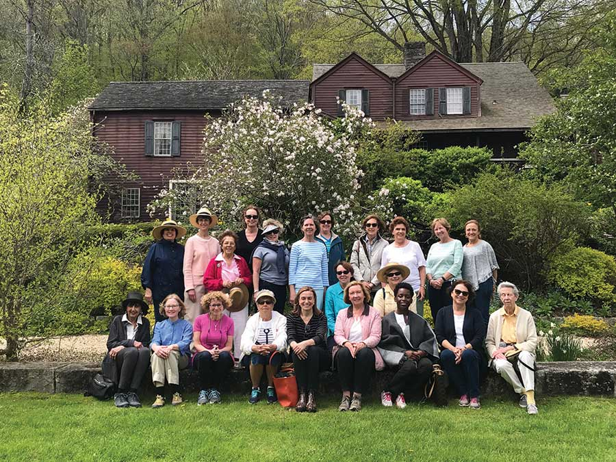 Garden Club Tour of Hollister House