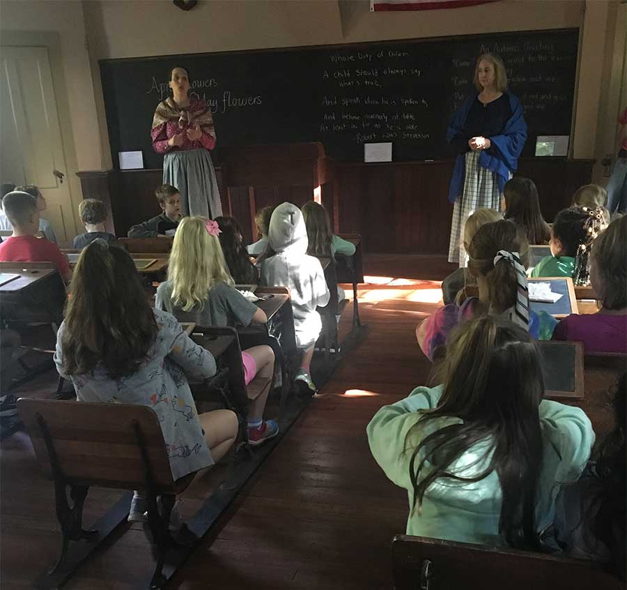 Beecher Road Students Enjoy Darling House Field Trip